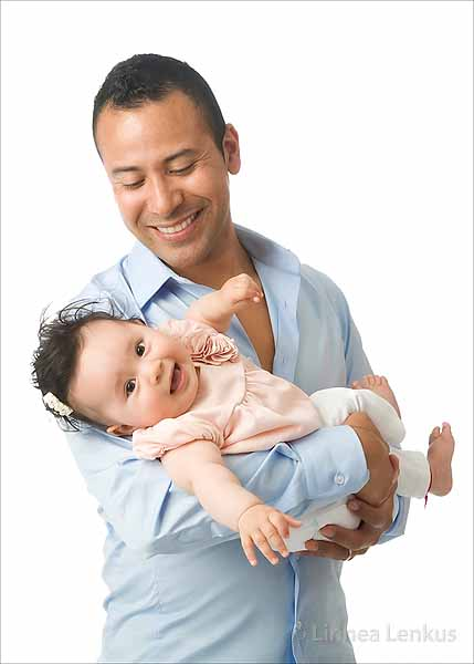 father and baby photography photographed by Beverly Hills baby photographer Linnea Lenkus