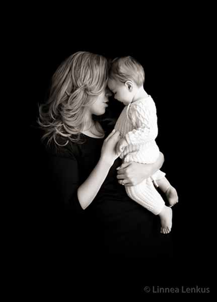 mother and baby photography created in Hollywood portrait studios